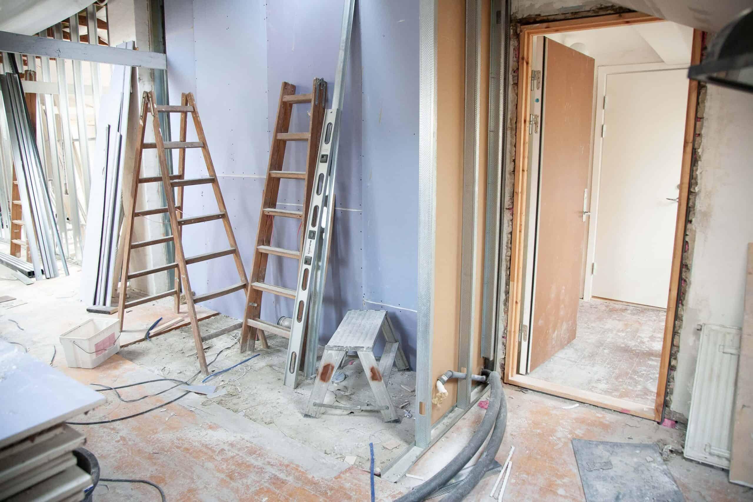hiring a professional construction team